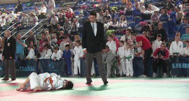 Regionalno školsko prvenstvo u džudou održano u Aleksincu (VIDEO)