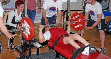 Powerlifting klub Knjaževac uklanja barijere (VIDEO)