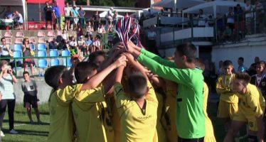 Nacional kup 2017 – fudbal za osam generacija (VIDEO)