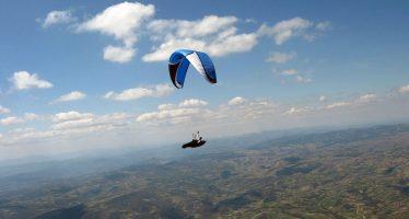 Najbolji svetski paraglajderisti i ovog leta poleću sa Višegrad stene (VIDEO)