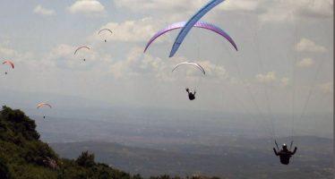 Najbolji svetski paraglajderisti na nebu jugoistočne Srbije (VIDEO)