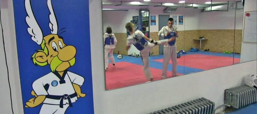 Tekvondo klubu Asteriks 10 medalja na kupu Srbije (VIDEO)