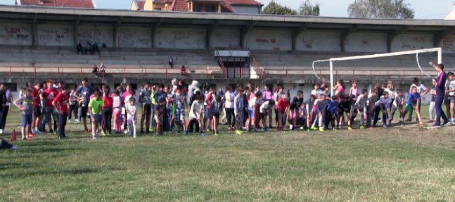 Opštinsko takmičenje u atletici za aleksinačke đake (VIDEO)