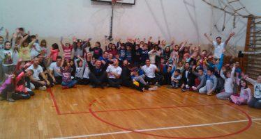 Vaterpolisti Naisa promovisali sport u OŠ Učitelj Tasa