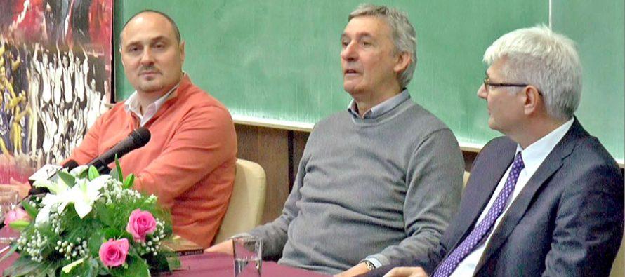 Ogromno interesovanje za predavanje našeg proslavljenog trenera (VIDEO)