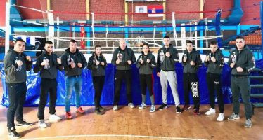 Bokseri niškog Viteza uspešni na regionalnom prvenstvu u Leskovcu