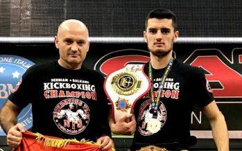 Novaku još dva pojasa u kikboksu, slede izazovi u boksu (VIDEO)