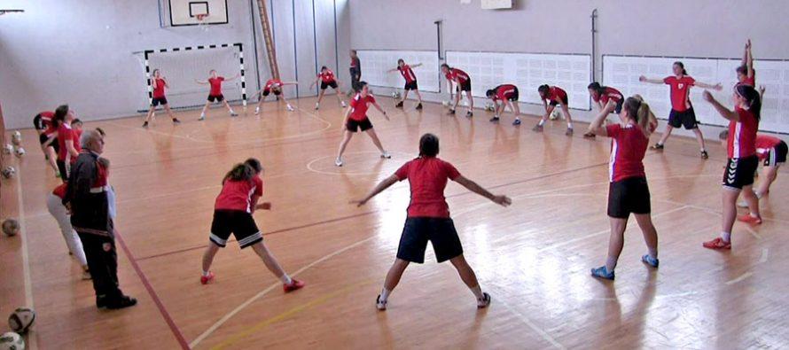 Fudbalerke Radničkog polako pale mašine za nastvak sezone (VIDEO)