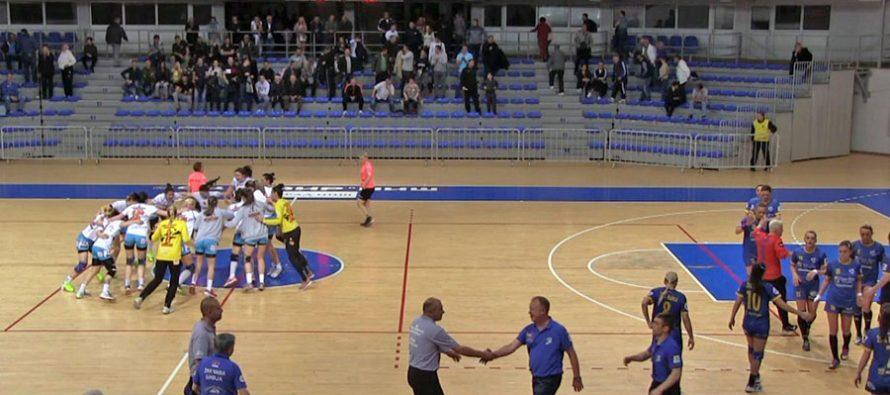 "Naisa ipak poklekla pred ""osnaženim"" Bekamentom (VIDEO)"