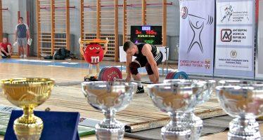 Najsnažniji dizači tegova na državnom prvenstvu u Nišu (VIDEO)