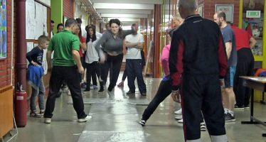 Sportsko nadmetanje radnika u prosveti još jednom okupilo veliki broj škola (VIDEO)