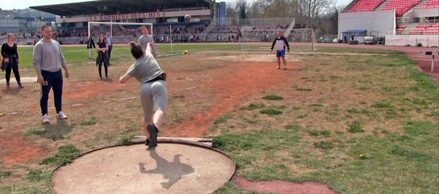 Školarci na Čairu odradili takmičenja u atletici (VIDEO)