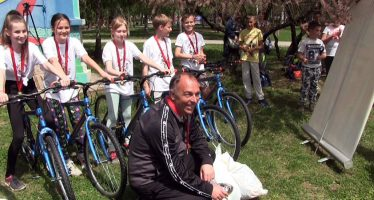 """""""Stop"""" Svi na sport"""": Bicikle za ekipu OŠ """"Dušan Radović""""  (VIDEO)"""
