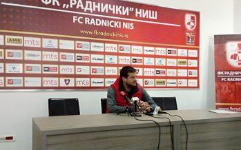 Radnički želi pobedu protiv Napretka, Partizan zabranjena tema