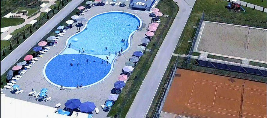 Bazen u Beloj Palanci idealan za odmor i relaksaciju (VIDEO)